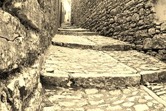 IMG_9594 (Andre56154) Tags: italien blackandwhite italy alley sicily schwarzweiss altstadt oldtown erice bergdorf gasse sizilien