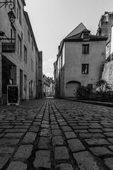Dole (MrMyz) Tags: road street blackandwhite bw france monochrome canon eos blackwhite noiretblanc outdoor nb route rue franchecomt chemin noirblanc exterieur paysageurbain rmyb infinitexposure mrmyz