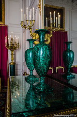 Salon des Malachites - Grand Trianon (fabakira) Tags: nikon sigma versailles salon chteau reflets couleur vases chteaudeversailles mineraux sigma1750 d7000 malachites salondesmalachites fabakira fabakiraphotography fabakiraphotography2016