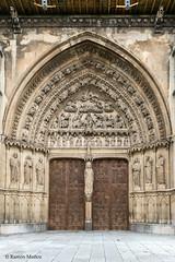 DSC2968 Puerta central de la Portada Sur de la Catedral de Santa Mara de Regla, siglo XIII, en Len (ramonmunoz_arte) Tags: de catedral len vidrieras claustro sepulcro