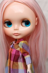 Nice colors for a grey and rainy day (buganville) Tags: pink doll factory blythe haired smock mueca mfm rbi