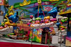 magia (el dos) Tags: blue sky art azul fun photography photo spring spain pentax magic may feria palmeras nostalgia cielo crdoba infancia noria magia parquedeatracciones chilhood montaarusa aladino tmbola colorphotoaward