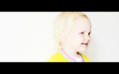 Danee 2 (Pascal Lagarde) Tags: pink girl smile yellow hair clip 2yearsold 26monthsold danee