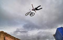 Andreu Lacondeguy - Nothing (Salvador Moreira) Tags: red bike team nikon freestyle bull downhill tokina galicia dirt evento rider factor f28 vigo deportivo ulyses andreu d90 mondraker 1116 lacondeguy marisquio omarisquio atx116
