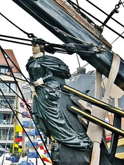 Bounty Boegbeeld - Figurehead (06) Oostende voor Anker 2011 3 Foto's - 3 Photo's (Johnny Cooman) Tags: oostende vlaanderen belgium  westvlaanderen westflanders ostende ostend flhregion flemishregion flandre flandes flanders flandern evenement canons5 blgica belgi belgique belgien belgia boeg zeilboot zeilschip ship sailingship schip oostendevooranker boot boat bateau segelschiff thegalaxy ringexcellence flickraward soe autofocus mygearandme