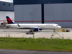N301DN (redlegsfan21) Tags: atlanta lines airport atl air dal delta international airbus dl hartsfieldjackson katl a321200 n301dn