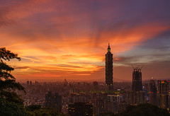Taipei sunset! (ak_phuong (Tran Minh Phuong)) Tags: from city sunset red sky cloud art history nature skyline architecture last wonderful magazine book golden fantastic photographer angle outdoor dusk top postcard capital great taiwan super tourist best awsome pot 101 most cover beat excellent serene covers now non today cheap saler fullview akphuong