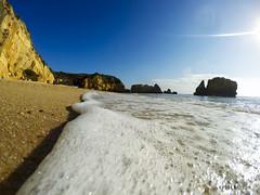 Summertime Portugal (Kybenfocando) Tags: travel summer beach portugal playa verano summertime voyager traveling algarve viajar viaggiare gopro