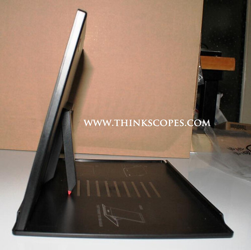 ThinkVision LT1421 side 2