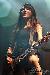 Doris Yeh [Chthonic] (Hendisgorge) Tags: canon indonesia eos live stage jakarta gigs dslr senayan chthonic stagephotography panggung 18135mm 450d canoneos450d fotografipanggung hendisgorge hendhyisgorge hammersonic lapangandsenayan hammersonic2012 hammersonicmetalfest