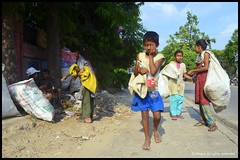 Street children (*illusionist*) Tags: road street girl kids children photography asia strada sad bambini south side homeless poor crying working des east problem story di enfants dhaka organization rues bangladesh anak helpless  jalanan