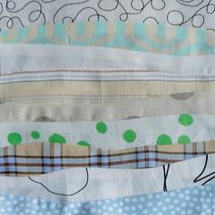 Vague  l'me (chabronico) Tags: quilt coton cotton quilting patchwork vagues clair bandes fabrics carr tissu ninepatch valeur fonc