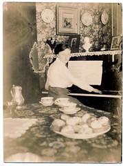 Ge'van Veldhuizen piano pm 1915.JPG verb
