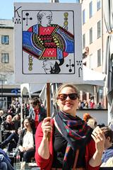 Frsta maj plakat 2013-05-01 (Michael Erhardsson) Tags: politik sverige socialism rda maj fana parti grupp fanor vnster vnsterpartiet internationalen demokrati solidaritet arbetare budskap 1amaj svenskt arbetarrrelsen demonstrationstg politiskt demonstrera ideologi likasinnade riksdagsparti