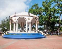 Parque Daniel Hanandez - Bandstand (Christopher OKeefe) Tags: elsalvador santatecla plaza vendor