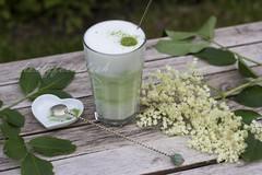 Matcha Latte (Frau Holle2011) Tags: food deutschland outdoor latte matcha trinken tee glas milch lecker getrnk grner milchschaum