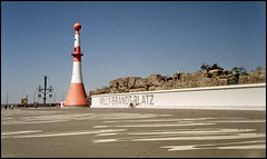 Bremerhaven Analog 2016 (201) (Hans Kerensky) Tags: canon 7 lzos jupiter12 28 35mm lens film fuji superia 200 scanner plustek opticfilm 120 bremerhaven willy brandt platz square