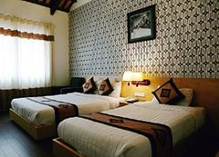GuestFamilyroom.alt (hanoitouronline) Tags: halongbaytours traveltohanoi bookflightticket sapatrekkingtours booktrainticket hanoitoursinformation halongbayonalovacruises ninhbinhecotours hanoionedaytours halongbayonedaytours vietnamhoneymoontours hanoigolftours hanoivillagestours rentthecars