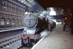 R0369.  D11 class 4-4-0 62668 JUTLAND at Nottingham Victoria.  July, 1960. (Ron Fisher) Tags: director greatcentral greatcentralrailway gcr d11 nottinghamvictoria 62668