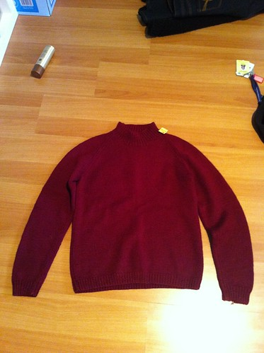 Maroon chunky knit to be painted in metallic paint
