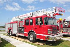 Smeal Demo Aerial 75' (bcfiretrucks) Tags: demo fire expo chief columbia aerial british trucks 75 img smeal iafc