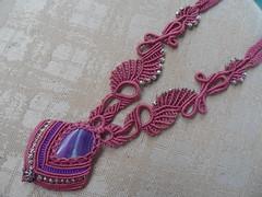 collana rosa con agata a goccia (patty macram) Tags: bijoux collane gioielli margaretenspitze macramegrave