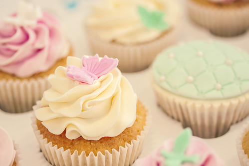 20140323_F0001: Real cupcakes that look too good to eat