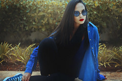Denim Queen (TheJennire) Tags: camera blue winter light portrait people cold luz girl face sunglasses fashion scarf canon hair cores photography photo colours foto young makeup style shades colores jeans teen indie denim redlipstick fotografia camara cabelo pelo cabello tumblr