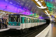 (10) Odon - Paris (France) (Meteorry) Tags: paris france colors station train underground subway colorful europe ledefrance couleurs mtro transport platform ubahn february transportencommun idf ratp odon 2016 parisien meteorry publique stif mtropolitain pulbic paris6earrondissement