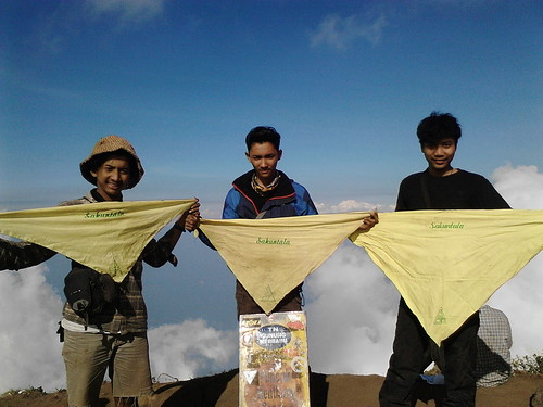 "Pengembaraan Sakuntala ank 26 Merbabu & Merapi 2014 • <a style=""font-size:0.8em;"" href=""http://www.flickr.com/photos/24767572@N00/27163040115/"" target=""_blank"">View on Flickr</a>"