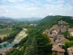 Castell'Arquato (SixthIllusion) Tags: travel italy river view medieval hills borgo medievale medioevo middleage castellarquato