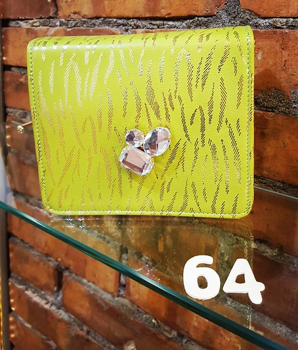 Mini pochette in saldi : Verde e Gold... #YOUNIQUE #accessori #personalizzati #madeinitaly #handmade #collane #instagood #furry #goodday #instabday #cute #animals #eyes #verdetiffany #gold #goldedition #instagood #instagramers #picoftheday #sales