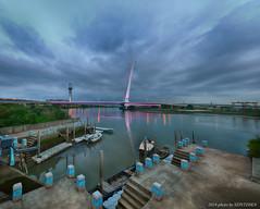 社子橋 (十二張直幅矩陣接圖) (szintzhen) Tags: bridge sky cloud reflection water boat taiwan photomerge 台灣 雲 天空 水 taipeicity 台北市 船 北投 基隆河 倒映 社子橋 中八仙