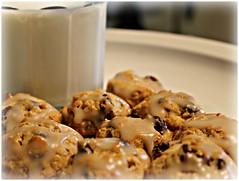 SANDRA'S RECIPES - ALASKA: Glazed Oatmeal Raisin Cookie Bites (sandrasalaskarecipesphotographyretail) Tags: alaska dessert maple cookie sweet oatmeal snack syrup recipes easy bites quick raisin glazed sandras
