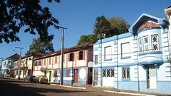 Casas antigas (Sandro Andretta) Tags: blue brazil azul brasil oldbuildings vale rs riograndedosul sul bomretiro taquari casasantigas valedotaquari prdiosantigos bomretirodosul