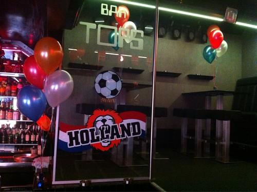 Tafeldecoratie 3ballonnen EK2012 bij Bar Tops Spijkenisse