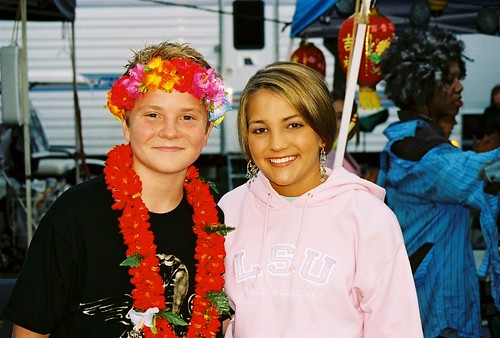 Jacob Nelson and Jamie Lynn Spears on set Zoey 101
