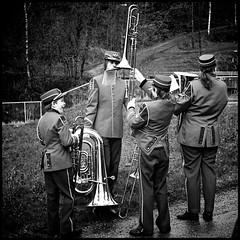 Trombone Juggling (Davidap2009) Tags: leica blackandwhite norway trombone mp tuba brass 400asa korps v700 leicamp davidwilliamson leicasummilux50mmf14asph silverefexpro2