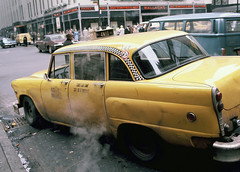 Checker Cab (eks4003) Tags: nyc newyorkcity yellowcab midtown taxidriver hack checker 1976 taxicab checkercab yaxi