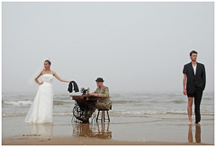 -Sewing machine- (www.hansvink.nl) Tags: sewing machine hans vink noordwijk model beach strand zee sea girl woman man people duinen bruidegom bride bruid peopleenjoyingnature modeling zand zomer vrouw shoot sand nederland mensen dutch