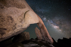 arch rock (Eric 5D Mark III) Tags: california longexposure sky usa rock night canon landscape photography star arch unitedstates desert joshuatree wideangle twentyninepalms milkyway joshuatreenationalpark 14l ericlo whitetankcampground ef14mmf28liiusm eos5dmarkiii 5d3