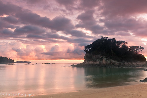 Little Kaiteriteri Sunrise (Tasman Sea, New Zealand)