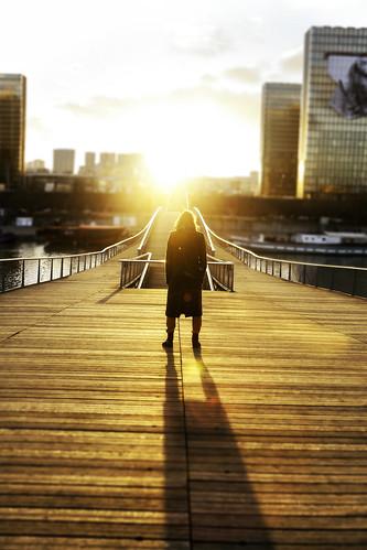 По пътя на светлината