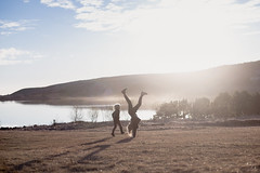 Langir dagar (Dalla*) Tags: sunset lake playing nature boys kids children outside evening iceland twilight play running run handstand playful summernight hvaleyrarvatn brohters dallais