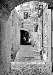 Rodos (giugno 2016) (Matt FCSP Murphys) Tags: street bw photography guitar greece grecia vicolo rodos rodi chitarra rodhos ρόδοσ