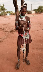 Banna Tribe, Ethiopia (Rod Waddington) Tags: africa man male costume village african traditional culture valle tribal valley warrior afrika omovalley ethiopia tribe ethnic cultural ethnicity afrique ethiopian omo banna thiopien etiopia ethiopie etiopian bullah