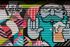 Peoples (Rick & Bart) Tags: city urban streetart paris france canon graffiti peoples drugstore monmartre rickbart thebestofday gnneniyisi rickvink eos70d