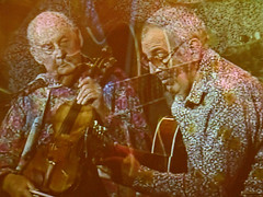 Jazzman franais Stphane Grappelli en spectacle  Rimouski (Photo exprimentale). (Gaetan L) Tags: music jazz stphane jazzfestival musique jazzman rimouski gaspsie provincedequbec grappelli baslaurent festivaldujazz nikond7000