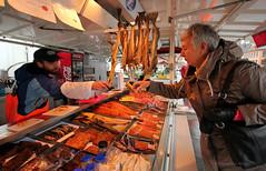 Fisketorget i Bergen - II [vil du smake?] (www.francescaalviani.com) Tags: fish norway del marcus market 14 norwegen mai marco bergen mercato fisk norvegia maggio 2012 pesce fisketorget