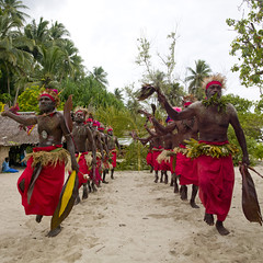 Paplieng tribe - Kavieng New Ireland, Papua New Guinea (Eric Lafforgue) Tags: island culture tribal png tradition papuanewguinea oceania  oceanie papuaneuguinea papuanuovaguinea  papouasienouvelleguine papouasienouvelleguinee papuaniugini papoeanieuwguinea papusianovaguin papuanyaguinea   papanuevaguinea    paapuauusguinea  papuanovaguin papuanovguinea   papuanowagwinea papuanugini papuanyguinea  tribetribu png827